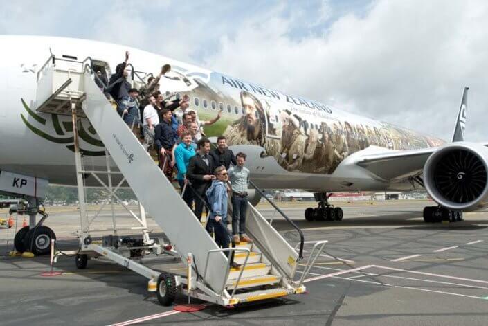 Hobbit Premiere cast on plane